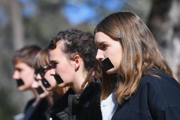 澳洲人權委員會在今發表調查報告中表示,過半的大學生在去年至少有遭到一次性騷擾。(歐新社)