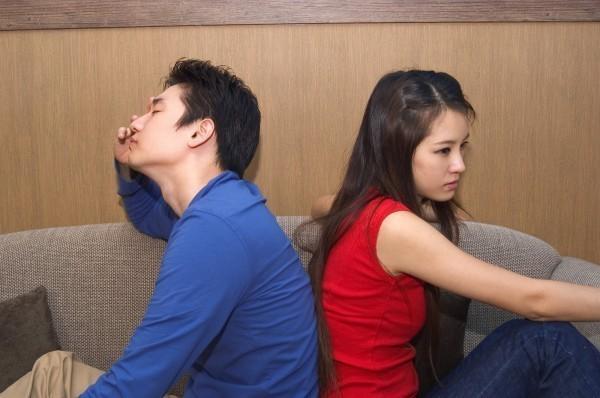 一名女網友感嘆,她向男友提出結婚的要求,沒想到男友卻要和她分手。(情境照)