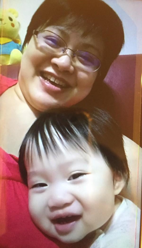 林婦歷經癌夫凍精、取卵做試管嬰兒到產程羊水栓塞,終於成功產下可愛女兒,現在1歲3個月大了。(記者蔡淑媛翻攝)