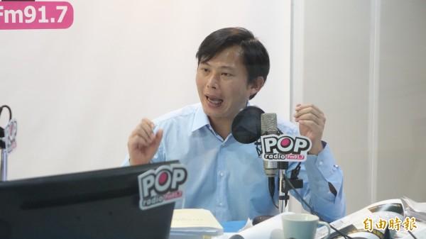 被問到是否競選新北市長一事,黃國昌開玩笑說:「我都要被罷免了,怎麼會去思考選新北市長的事情?」(記者叢昌瑾攝)