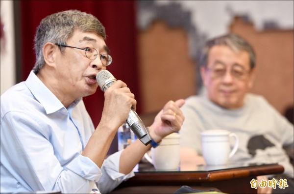 香港銅鑼灣書店前店長林榮基(左)昨來台出席「二二八與香港主題特展」座談會。(記者劉信德攝)