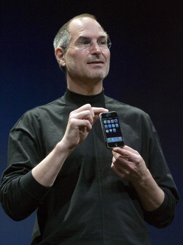 美國蘋果公司共同創辦人賈伯斯(Steve Jobs),於2011年10月5日驟逝,享年56歲。(歐新社)