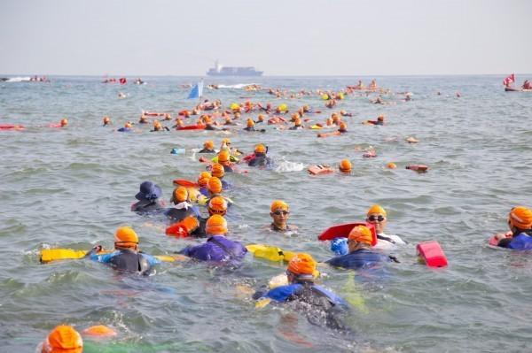 今年基隆外木山長泳活動停辦。(資料照,基隆市政府提供)