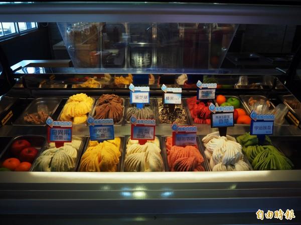 冰淇淋分為義式冰淇淋Gelato、雪酪Sorbet,都是以新鮮果汁為基底、當天現做現賣。(記者陳昀攝)