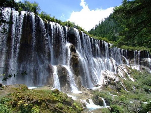 諾日朗瀑布。(圖擷取自維基百科)