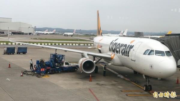 本土廉航「台灣虎航」在今年上半年載客數大增62.6%,載客數更接近百萬人次,位居廉航載客數冠軍。(資料照,記者姚介修攝)
