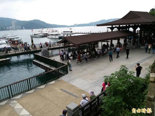 中客來台自由行人數回升。圖為日月潭自由行遊客漸多。(資料照,記者劉濱銓攝)