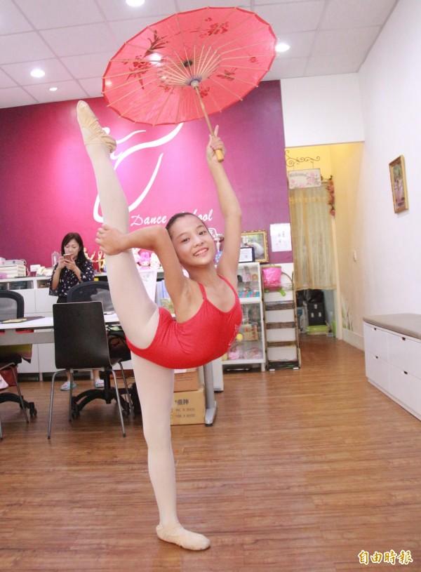 顏佩炘熱愛舞蹈,初學時甚至以手機偷錄學姐姐跳舞,加入舞團後仍然努力不懈,獲得全球舞蹈大賽第2名殊榮。(記者陳冠備攝)