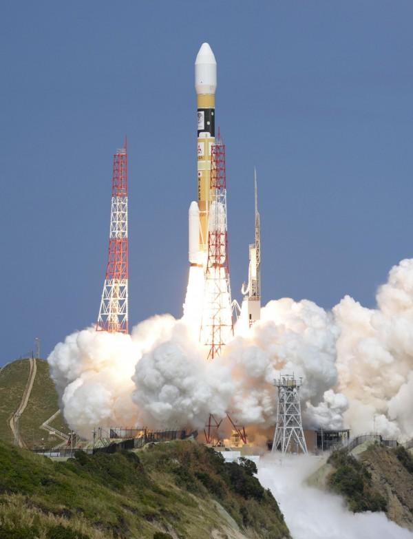 「引路」3號於今日下午2點29分在鹿兒島縣的種子島發射成功。(美聯社)
