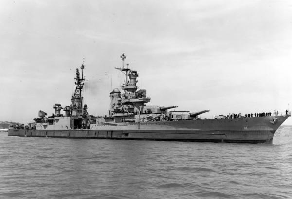 美國重巡洋艦「印第安波利斯號」(USS Indianapolis,CA-35)在二戰末期遭日潛艇擊沉,在沉沒72年後終於被人在菲律賓海發現殘骸。(美聯社)