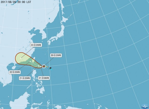 氣象局預測,21日20時,天鴿颱風中心會在鵝鑾鼻東南東方370公里海面上。(圖取自中央氣象局)
