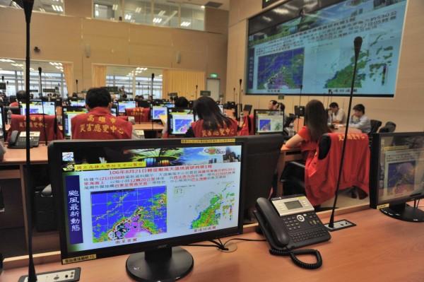 高市府上午召開防颱準備會議。(高市府提供)