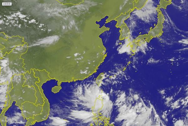 氣象局於下午2時30分發布陸上颱風警報。(圖擷取中央氣象局)