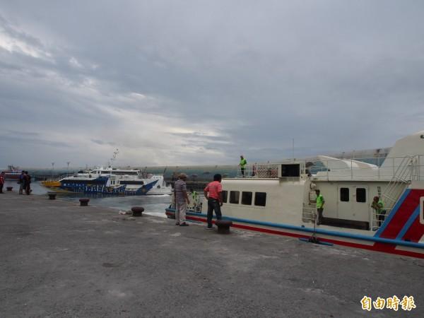 天鴿颱風影響,航港局天然災害應變小組宣布今天共有14航線、計96個航班停航。(資料照,記者王秀亭攝)