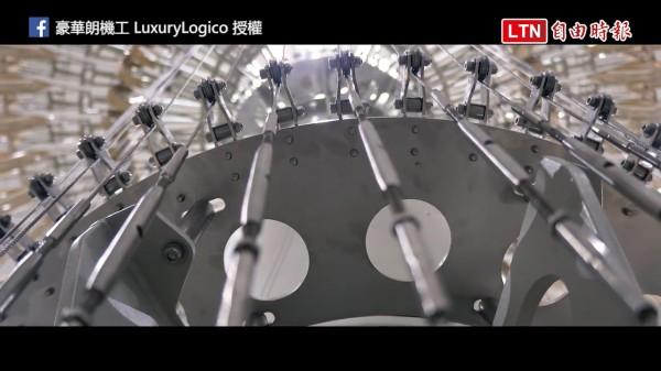 台北世大運超吸睛的聖火台,設計團隊公開製作過程影片。(豪華朗機工授權提供,下同)