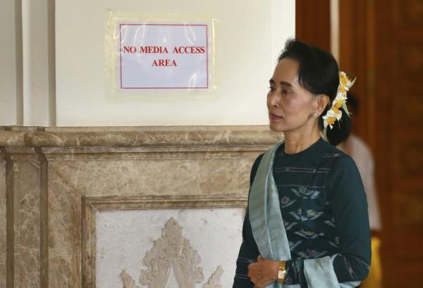 緬甸國務資政翁山蘇姬昨日表示,羅興亞武裝份子是「恐怖份子」。(美聯社)