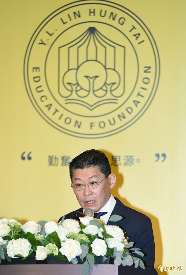 第一屆堉璘台灣奉獻獎公開徵選記者會,林堉璘宏泰教育文化公益基金諮詢委員林鴻南在會中致詞。(記者廖振輝攝)