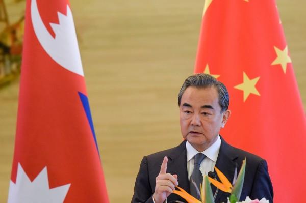 中國外交部長王毅今(7)日表示,中國支持聯合國作進一步反應,採取必要舉措。(路透)