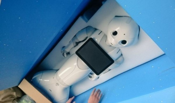 日網友紛紛自嘲說,日本黑心企業果然厲害,連機器人都被操到「過勞死」。(擷取自推特)