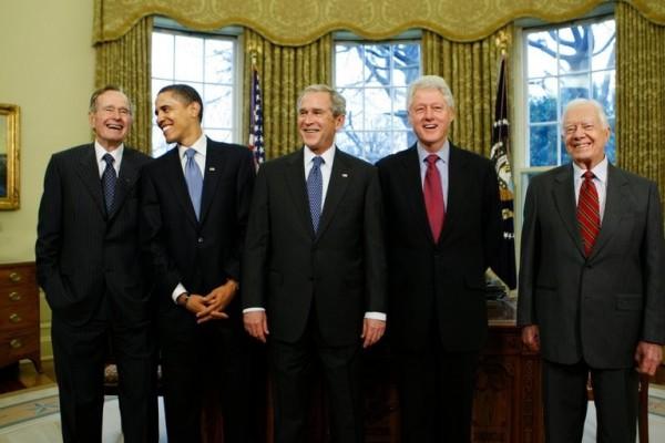 美國5位前總統,歐巴馬、柯林頓、卡特及布希父子表示,將攜手募款協助哈維颶風災民度過難關。(美聯社)