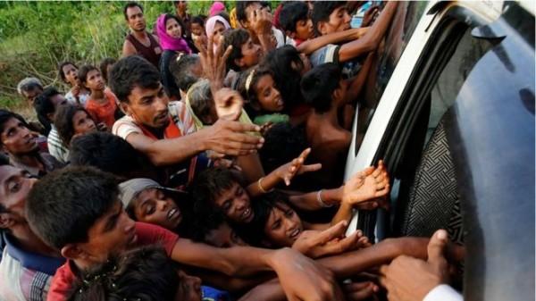 羅興亞人被稱為當今世上「最受迫害」的一群人,8月25日以來,緬甸若開邦已有將近16萬4000名羅興亞(Rohingya)人逃亡至孟加拉,躲避緬甸當局軍事行動的報復!(路透)