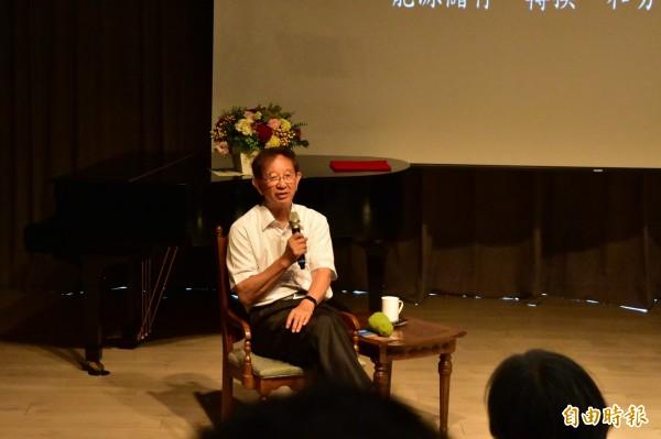 前中研院院長李遠哲,今受慈林基金會創辦人林義雄之邀,到宜蘭演講。(記者張議晨攝)