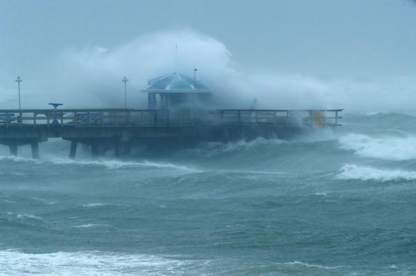 4級颶風艾瑪今天登陸美國佛羅里達州,颶風期間對人命最大的威脅經常是暴潮,即暴風引起海平面急速上升,然後產生一道水牆撲向陸地。(法新社)