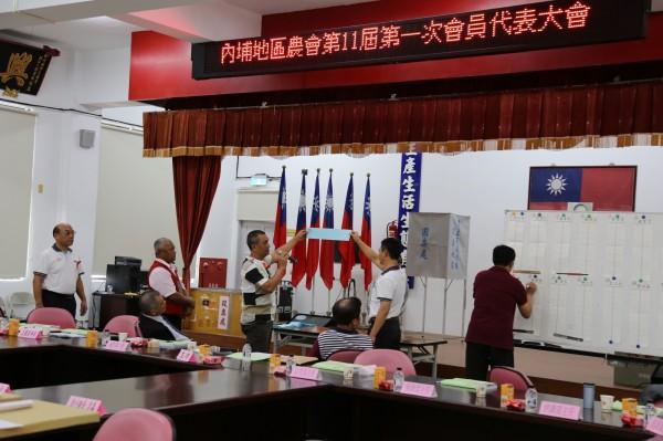 內埔農會選舉時開票情形。(資料照片)
