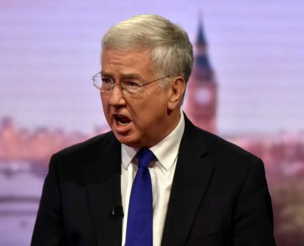 面對北韓危機,英國國防大臣法隆(Michael Fallon)表示,需在北韓研發出射程能達倫敦之飛彈前,遏止北韓的核武計畫。(路透)