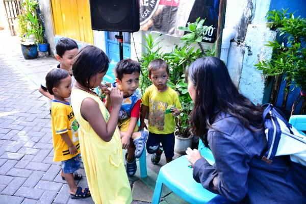 台科大13名學生,前往位於印尼泗水東方的社區Kampung Lebak Rejo進行為期18天的志工服務。(台科大提供)