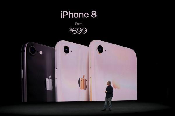 iPhone 8的售價從699美金起跳。(法新社)