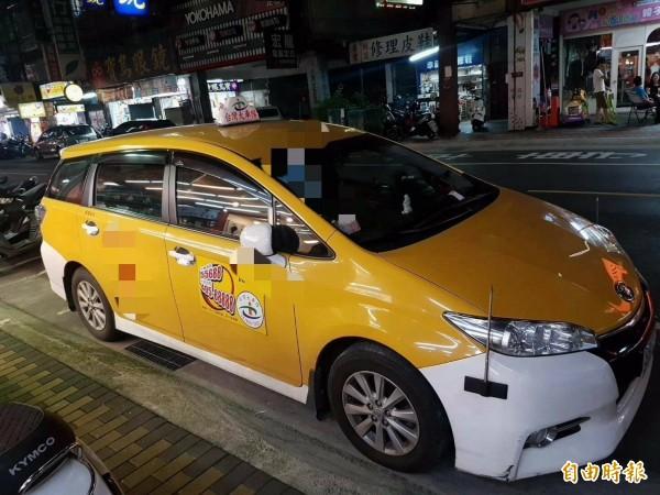 陳姓計程車司機仿製台灣大車隊商標貼紙,張貼於前後車門上,假冒是車隊司機,違反商標法被判處拘役。圖為台灣大車隊旗下車輛,非當事人車輛。(記者陳慰慈攝)