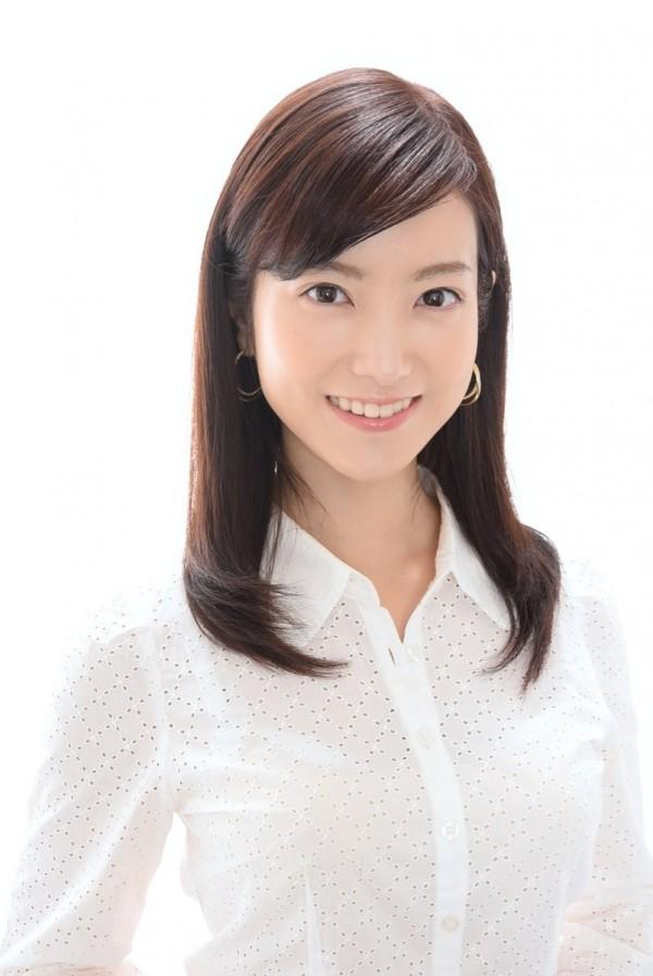 日本正妹主播天明麻衣子結婚後,3年來做飯都只有炒青菜。(圖擷自推特)