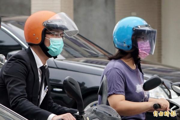 彭啟明表示,雖然天氣穩定舒適,但空氣品質將明顯轉差。(資料照,記者廖耀東攝)