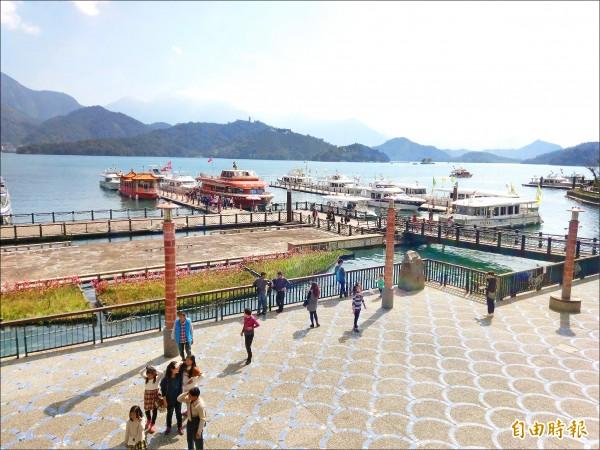 日月潭今年第一季國外遊客中,東南亞客就佔3成,人數增加不少。(資料照,記者劉濱銓攝)