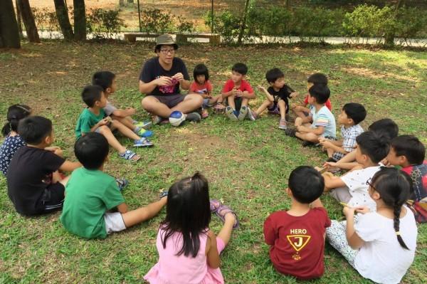 軍公教加薪3%,台南市教師產業工會今天要求,別忘了辛苦的幼教教保員,認為公立幼教教保員應一併加薪。(全教總提供)