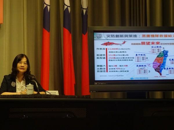 首度全國防災告警細胞廣播服務測試竟出包,行政院災害防救辦公室副主任王怡文表示,將進一步了解問題的原因在哪裡。(記者李欣芳攝)