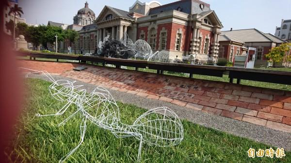 「幸福設計在台南」街角裝置藝術作品之一。(記者洪瑞琴攝)