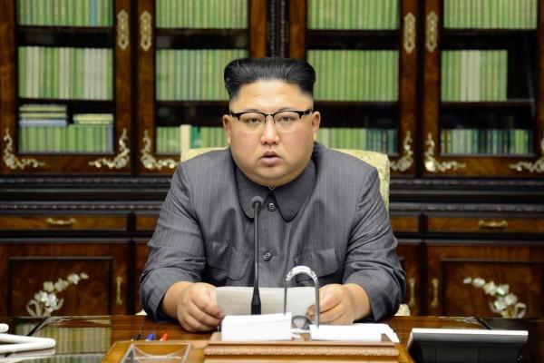 金正恩表示,北韓將採取最強的措施應對美國,「以烈火懲治美國的瘋老頭」。(路透)