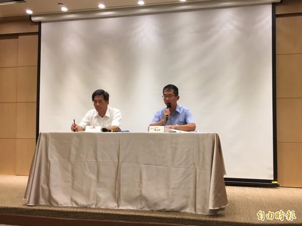 通部今召開記者會說明國慶連假國道疏運免收費措施。(記者蕭玗欣攝)