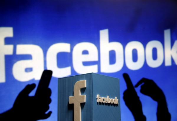 谷歌與臉書一同抱走了全美約6成的數位廣告收入。(路透)