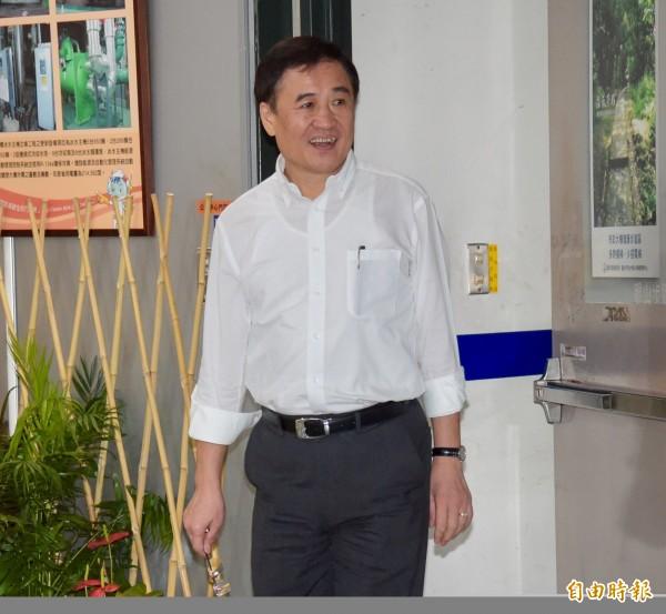 副市長陳景峻(圖)穿梭白綠間扮演和事佬。(資料照,記者黃耀徵攝)