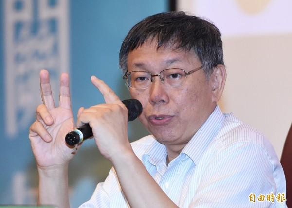 台北市長柯文哲到醫院探視台大遭毆學生,表示有影片就辦。(資料照,記者廖振輝攝)