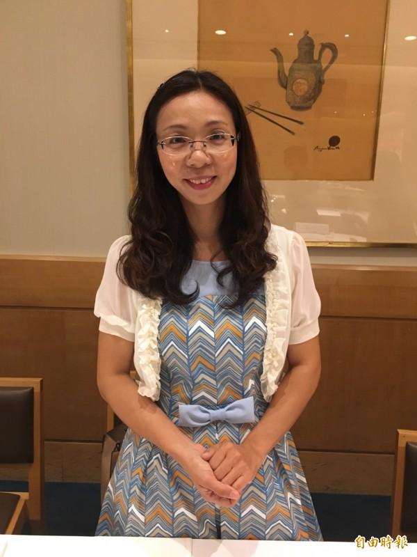以原民文化融入教學的朱惠慧獲得今年菁師獎。(記者楊綿傑攝)