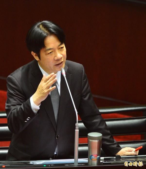 行政院長賴清德首次備詢,被問到兩岸立場時,賴清德指出,他是「主張台灣獨立的政治工作者」。(記者王藝菘攝)