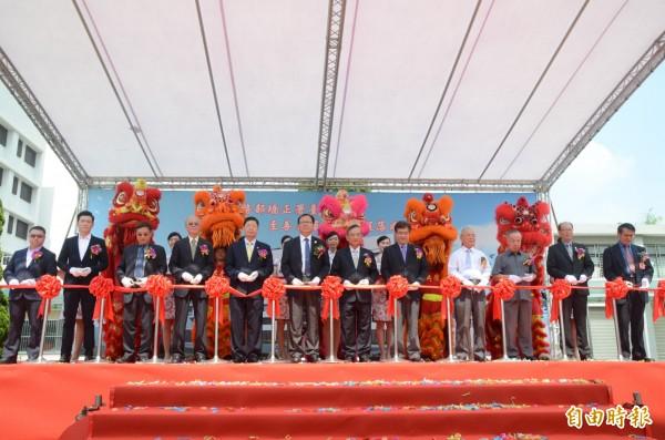 台北監獄至善大樓為台灣首座高樓監獄,146間舍房、可容納1300人。(記者鄭淑婷攝)