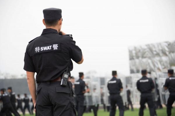 隨著中共19大即將召開,北京持續將維穩動作升級,包含針對新疆居民採取「五戶聯保制」,以及針對上訪民眾採取嚴密監控。圖為示意圖。(路透)