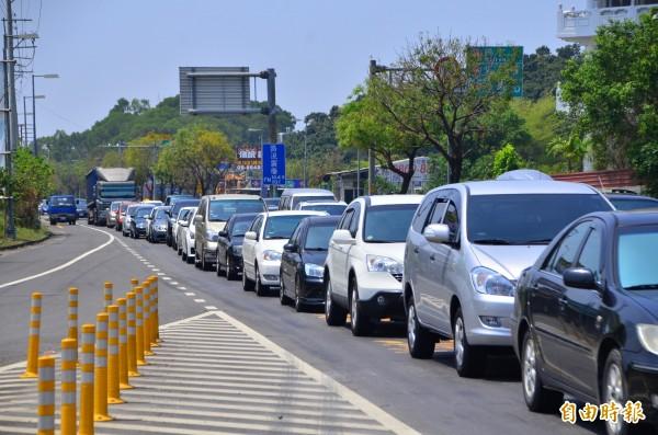 高速公路局預估,明天午後將會出現北返車潮,許多路段可能會塞車。(資料照,記者吳俊鋒攝)