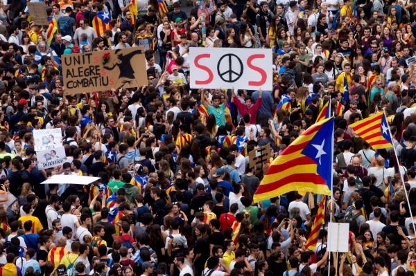 加泰隆尼亞爭取獨立,不少民眾說出心聲。(歐新社)