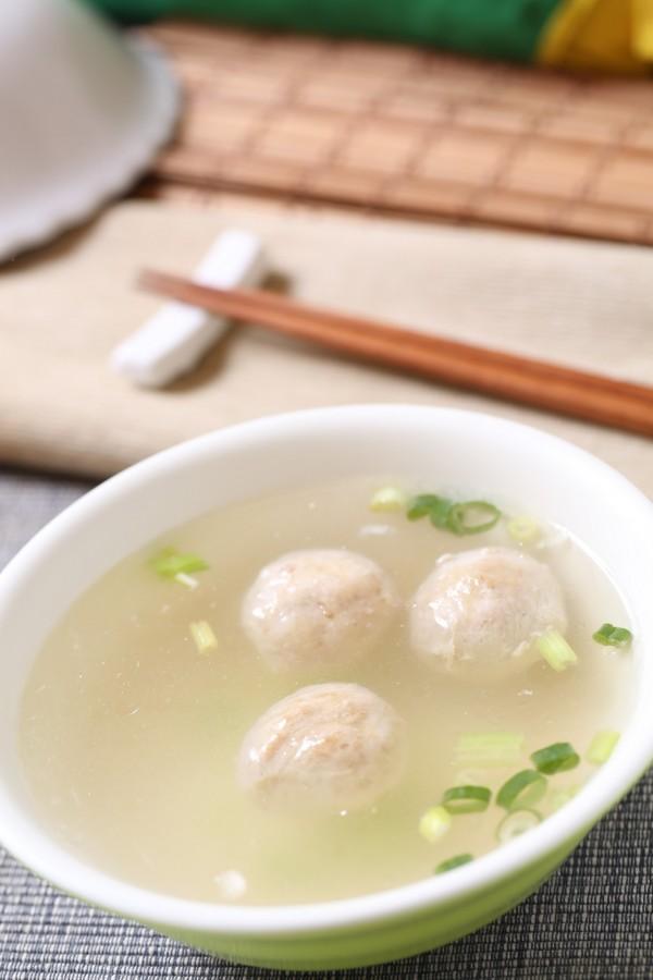 貢丸本身的鮮甜味與帶有口感的嚼勁,能將一碗普通的湯的味道畫龍點睛。(記者沈昱嘉攝)